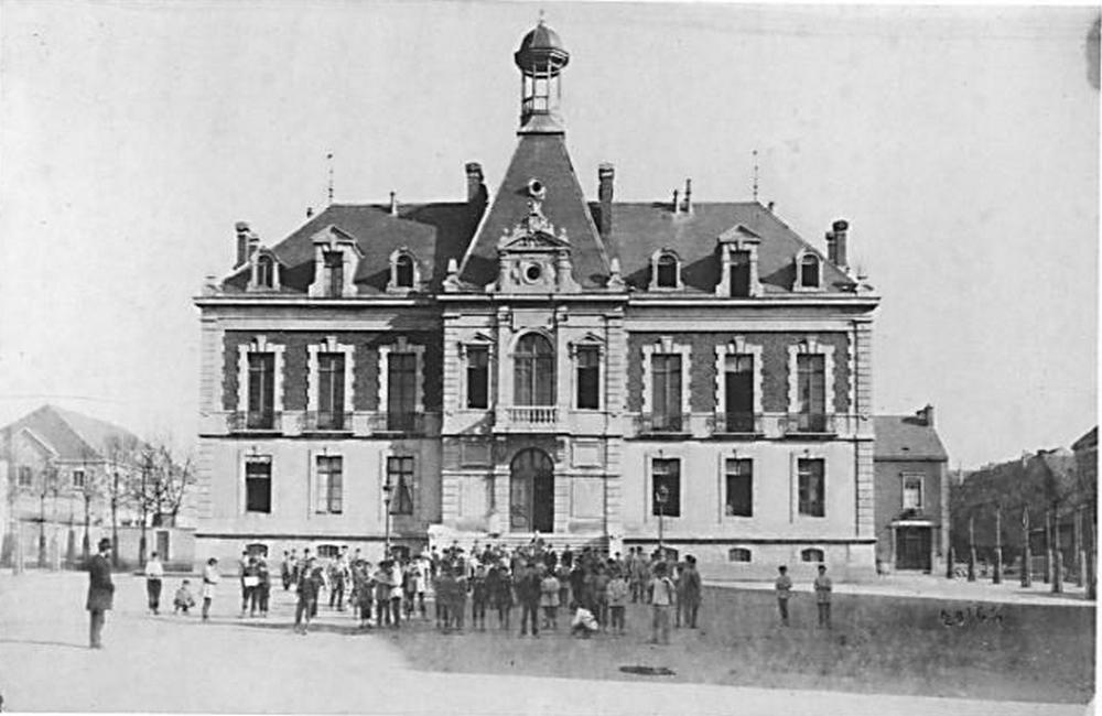 photo de 1877 sans l'horloge et la cloche