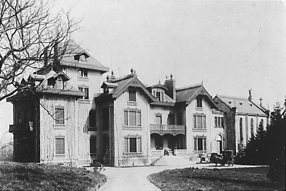 vers 1900..