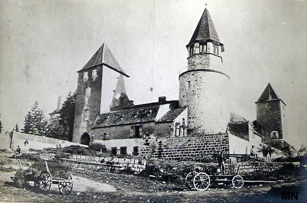 Chateau du plessis 1308121